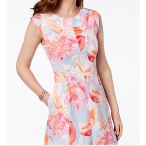 NWT Vince Camuto Women's Floral Pocket Dress